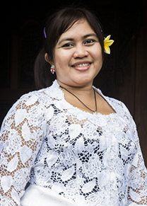 Our people - Canggu Staff - Vera - Massage
