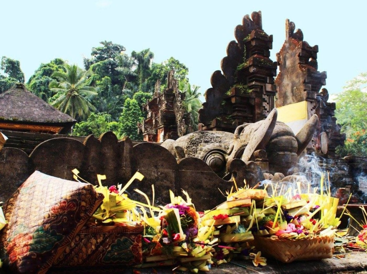 Experience the real Bali on the Bliss Sightseers Package including temples and cultural traditions
