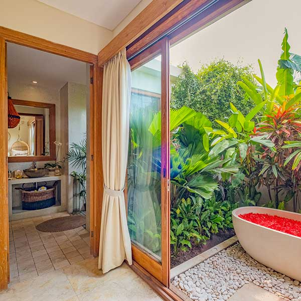 Gorgeous indoor outdoor bathroom spaces in Bali retreat, Garden Bath Retreat Room, Bliss Sanctuary For Women, Canggu