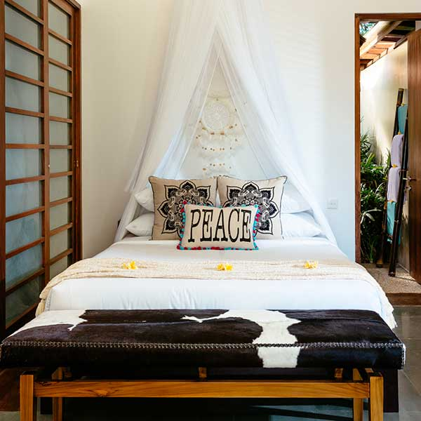 Beautiful peaceful King Size luxury bed in Bali Retreat, Poolside Double Room, Bliss Sanctuary For Women, Seminyak