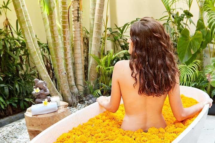 luxury wellness bath at bali retreat