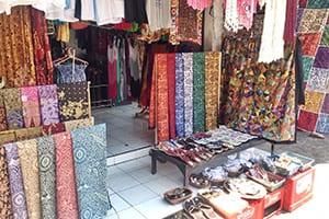 art market Ubud Bali retreat