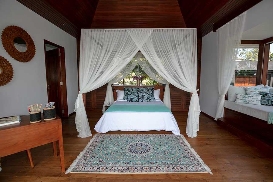 Beautiful canopy bed Ubud Bali accomodation