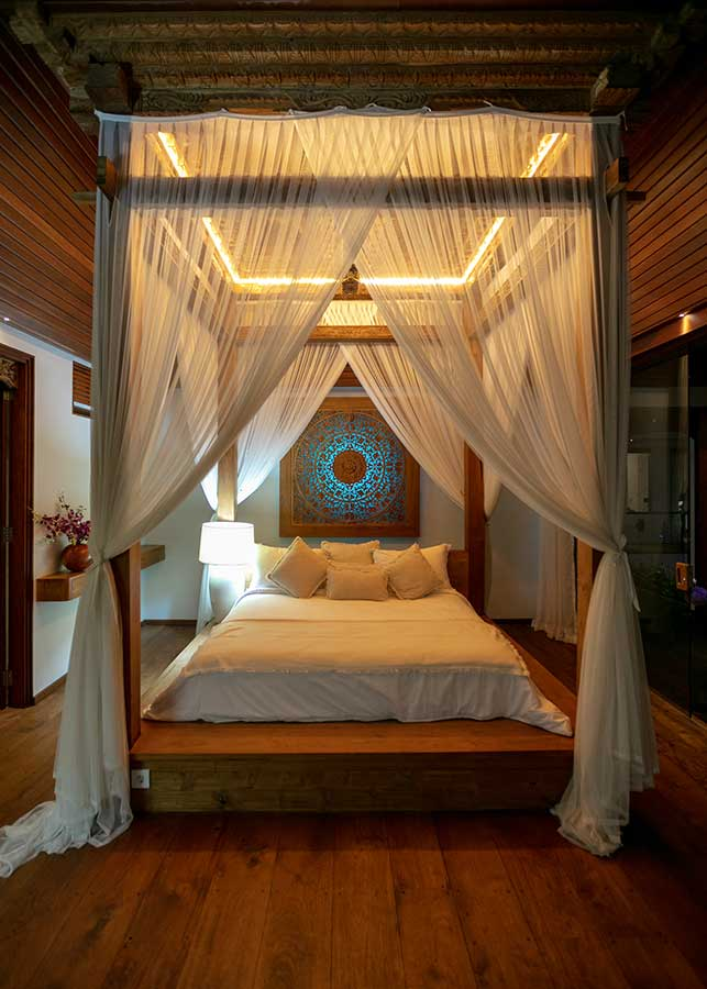 Stunning canopy bed Ubud Bali accomodation
