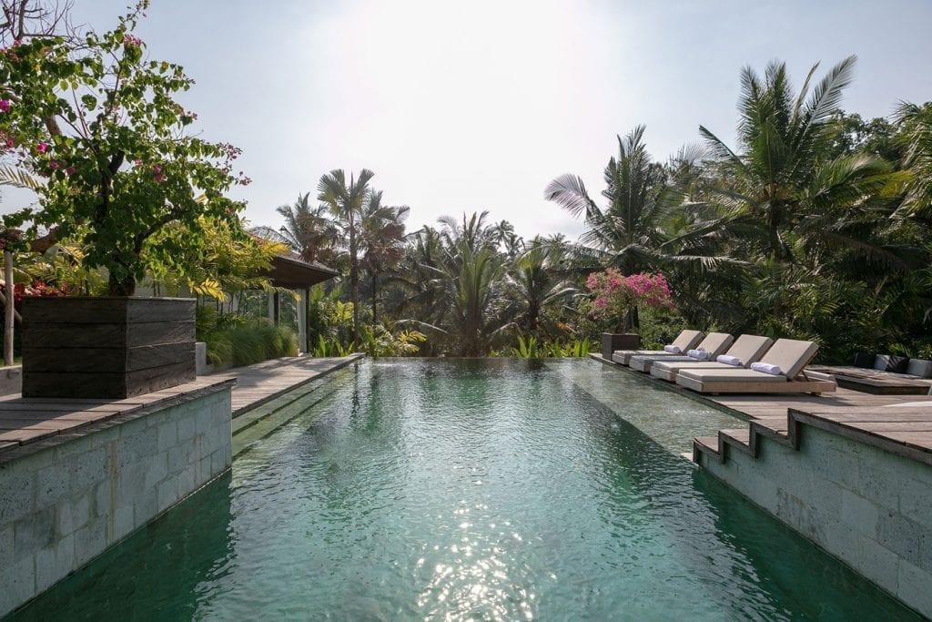 Stunning infinity pool spa Ubud