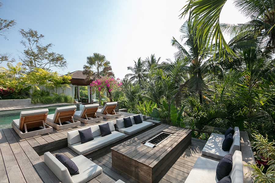 Stunning pool and deck Ubud Bali accomodation