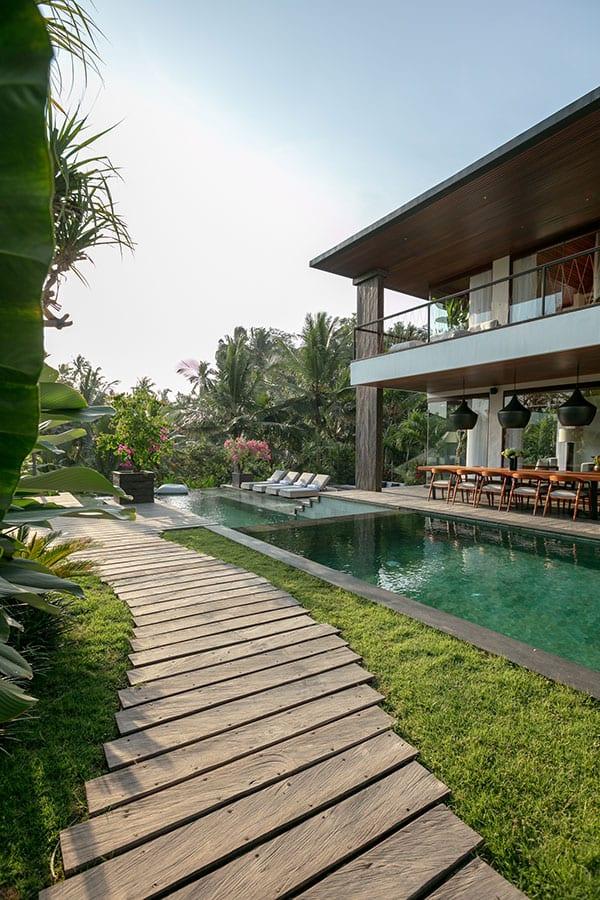 Stunning pool and garden Ubud Bali accomodation