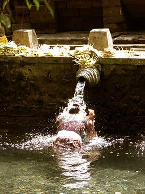 Tirta Empul - Ubud Bali retreat