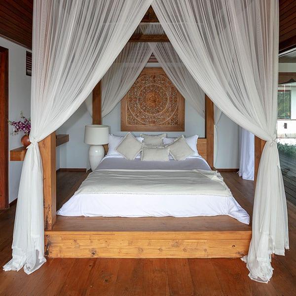 Ubud Sanctuary Bali Retreat stunning bed in Deluxe Suite