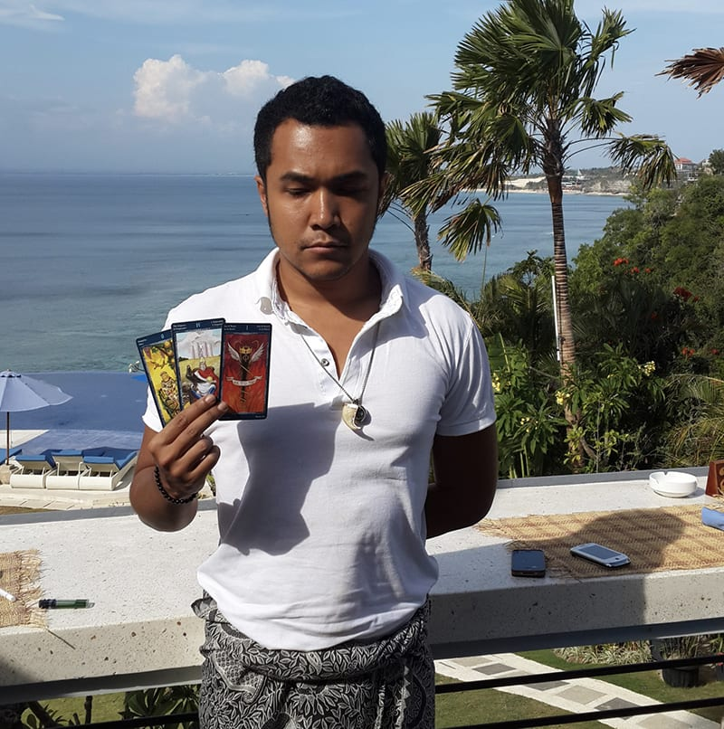 Erlangga Bliss Bali healer tarot card reader