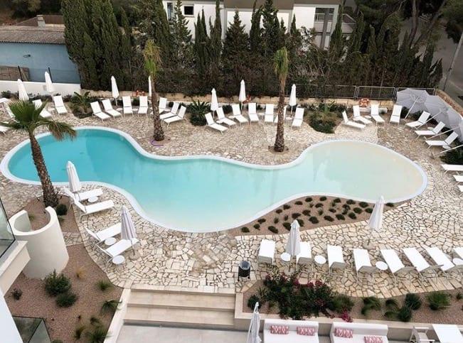 Som Dona Hotel